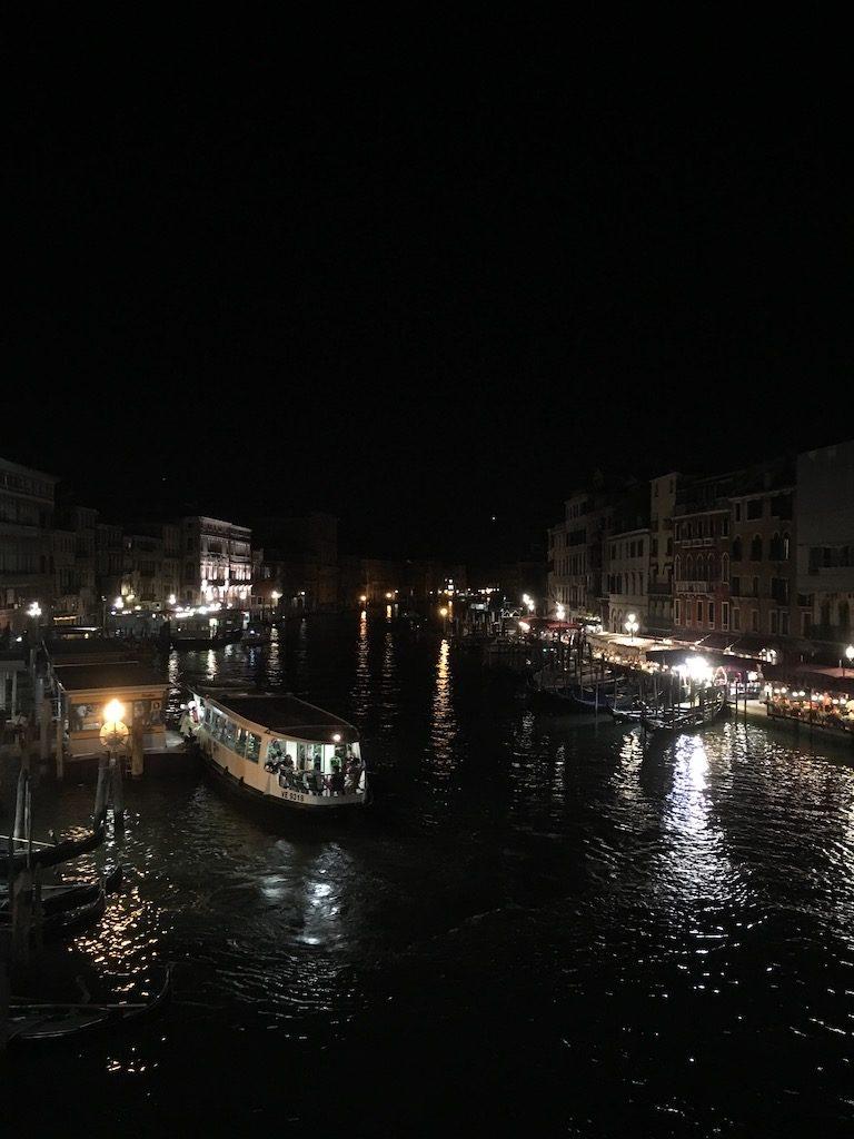 夜のヴェネチア